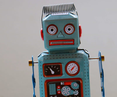 image of a wind up robot